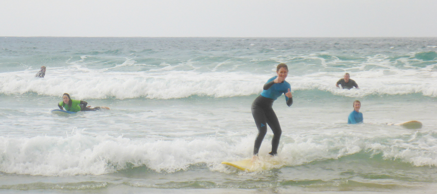 Surfing Fuerteventura: beginners and intermediate surf lessons on 27/01/2014