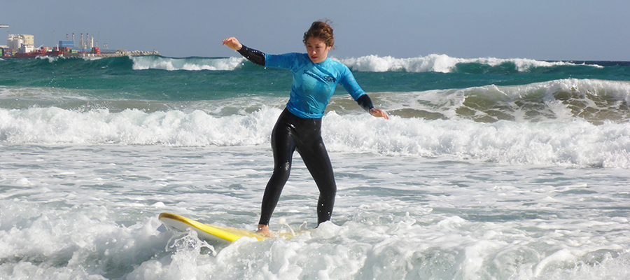 Learning how to surf with the surfcamp Fuerteventura: Surf course on 30/01/2014