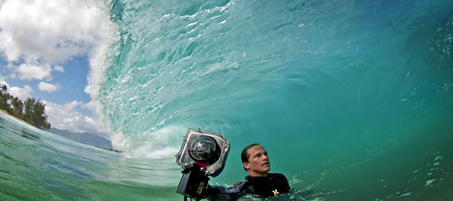 Wave photography: Clark Little shows how to do it