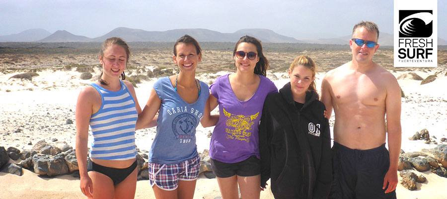 Summer in our surf camp on Fuerteventura: wind and waves refresh our surf students
