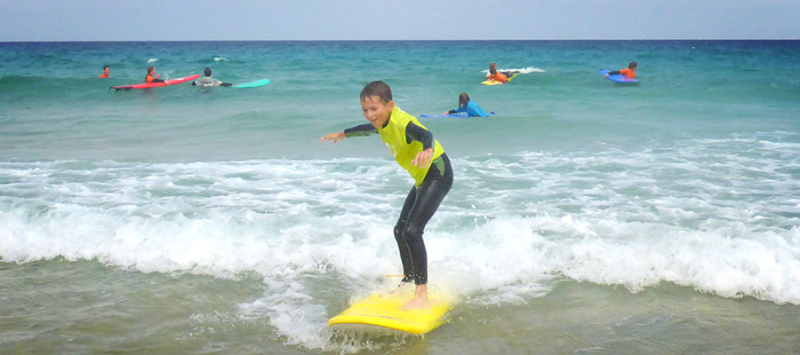 Learn to surf with the whole Family in the surfcamp Fuerteventura: Surf lesson on 14/07/2014
