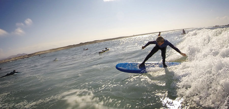 Surfing for the small ones on Fuerteventura – surfing lessons on fuerteventura 13. october 2014