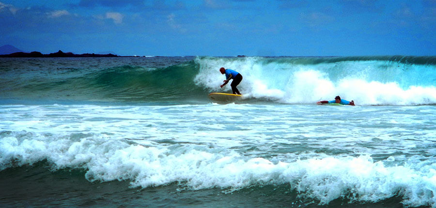 Learning to surf on Fuerteventura – Photos of our surfcamp on 16 October 2014