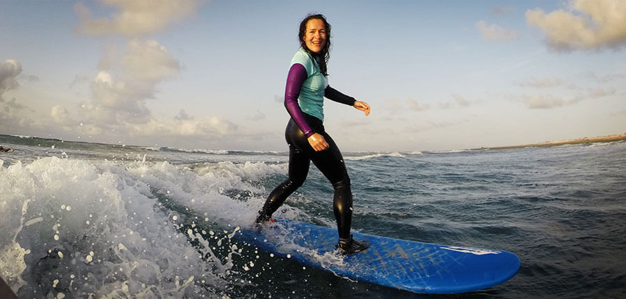 Happy Surf for Sarah and the others in our surfcamp on Fuerteventura – Surfing lessons on 31 October 2014