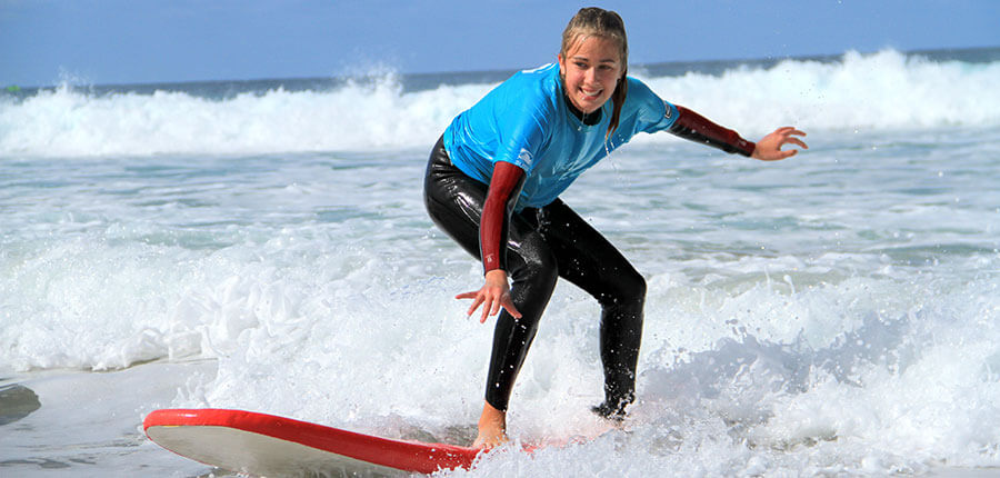 new friends in our surfcamp on fuerteventura – surfing lesson on 7. November 2014