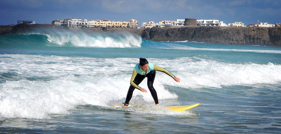 Surf course El Cotillo – learn how to surf on Fuerteventura