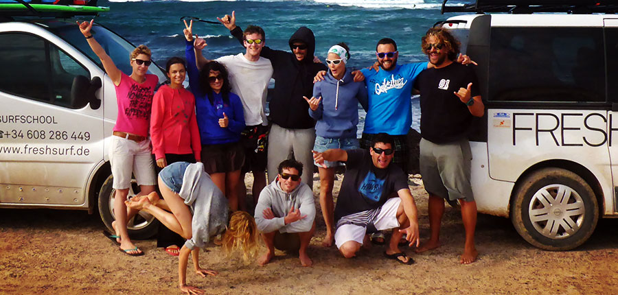 Happy faces in our Surfcamp on Fuerteventura – Pictures of the surf lessons of 25 November 2014